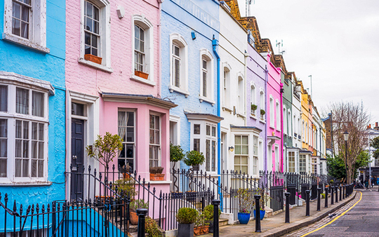 Multi-coloured street of houses in Chelsea, London - The Owners Forum